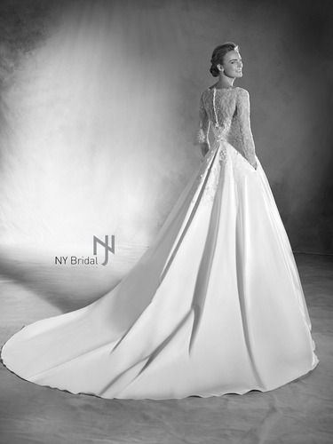 Atelier Pronovias / 2017 Collection / Elmira